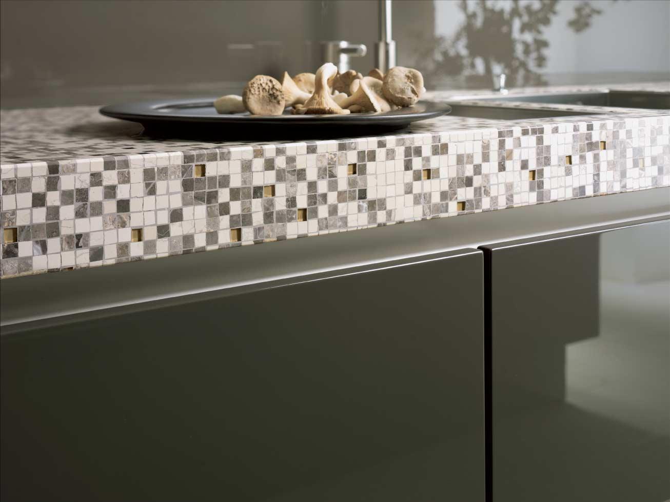 Küchenarbeitsplatte aus Mosaik