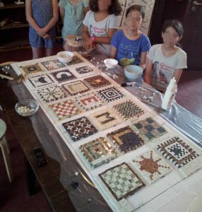 Mosaik workshop im Mit-Mach-Museum