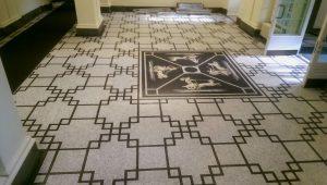Nach den Restaurierungsarbeiten: der Mosaikfussboden im Eingangsbereich der 1910 erbauten Villa Reitzenstein in Stuttgart.